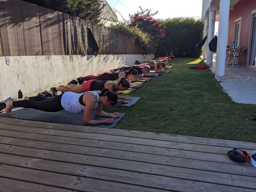 900x600-plank-training-im-bootcamp-urlaub